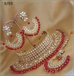 Designer Red and White Choker Indian Bridal Jewelry Sets, Bridal Jewelry Vintage, Bridal Bangles, Bridal Necklace, Indian Jewelry, Kundan Jewellery Set, Oxidised Jewellery, Bridal Jewellery, Rajputi Jewellery