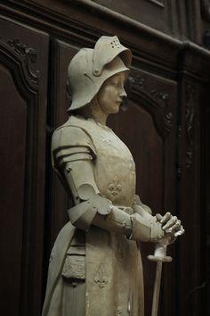 Joan of Arc statue Joan D Arc, Saint Joan Of Arc, St Joan, Catholic Art, Catholic Saints, Joan Of Arc Statue, Jeanne D'arc, Templer, Female Knight