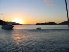 Sailing the Whitsundays North Queensland. Such a peaceful journey. A stunning place of the world. Put it on your bucket list