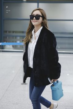 Jessica Jung Airport Fashion 170215 2017 Snsd Airport Fashion, Snsd Fashion, Fashion 2017, Korean Fashion, Jessica Jung Fashion, Korean Beauty Girls, Korean Girl, Asian Beauty, Korean Celebrities