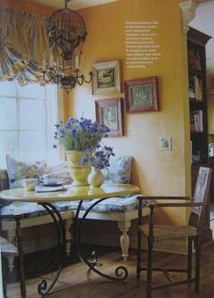 A Look at Country French 9 Absolutely Helpful Tips Beautiful breakfast nook! Love the air balloon chandelier! The post A Look at Country French 9 Absolutely Helpful Tips appeared first on Etta Ward. French Country Dining Room, Modern French Country, French Country Kitchens, French Country Bedrooms, French Country House, Country Living, Kitchen Country, French Country Curtains, French Country Colors
