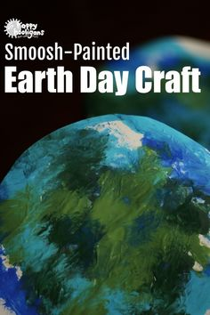 Easy Earth Day Craft for Kids - Smoosh-painting is a ton of fun and virtually mess free. Great Earth Day craft for toddlers and preschoolers - Happy Hooligans Cute Kids Crafts, Holiday Crafts For Kids, Toddler Crafts, Earth Craft, Earth Day Crafts, Happy Hooligans, Earth Day Activities, Summer Activities For Kids, Easter Activities