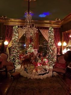 Christmas Store, Magical Christmas, Cozy Christmas, Christmas Wishes, Beautiful Christmas, Vintage Christmas, Christmas Tree Decorations, Holiday Decor, Christmas Interiors
