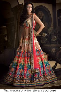 Buy designer lehenga for women that suits any occasion. Get the latest designs of ghagra choli & bridal wedding lehenga. Shop the best lehenga online for bride. Indian Bridal Wear, Indian Wedding Outfits, Bridal Outfits, Indian Wear, Wedding Attire, Indian Outfits Modern, Wedding Wear, Farm Wedding, Wedding Couples