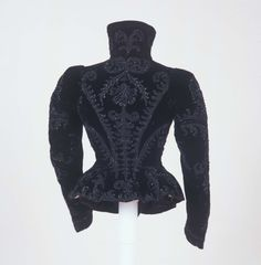 Giacchina femminile | Identifier 00000560 | Temporal keyword 1893 ca. | Creator Manifattura italiana | Galleria del Costume di Palazzo Pitti