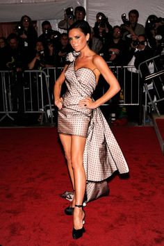 Victoria Beckham in Marc Jacobs, 2009