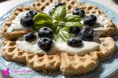 Os waffles mais fáceis e rápidos do mundo (também podes fazer em versão panquecas)! - angela oeiras.com