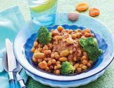 Middag med masser af smag: LCHF-gryderet med kylling, broccoli, mandler, kikærter og gode krydderier.
