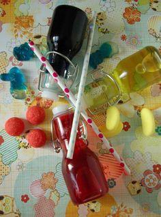 sirop bonbon - 100 g bonbon - 300 ml eau minérale - 300 g sucre poudre - 1 pointe couteau colorant poudre ou quelque goutte colorant liquide pour couleur Met eau et sucre dans casserole avec bonbons coupées en petits morceaux. Faire chauffer à feu moyen en remuant régulièrement pendant environ 10 min ( les bonbons doivent être fondus et le sirop doit devenir plus épais ), et rajouter le colorant ( facultatif ). Laisser refroidir. Verser dans contenant propre.