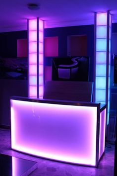 DJ Booth MOD NDJ-120 made of carbon steel structure, white baked electrostatic paint with aluminum perimeter edge, 3 mm acrylic finish. front and side. RGB remote control front and side (perimetral), removable cover, lighting included power cord. #led dj booth #light booth #dj light #DJ led #cabina lde #cabina Dj #deejay booth #cabina iluminada #DJ iluminacion