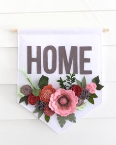 Fantastic diy flowers detail are offered on our site. Read more and you wont be . Diy Crafts To Do, Cute Crafts, Diy Projects To Try, Felt Crafts, Craft Projects, Crafts For Kids, Homemade Crafts, Fun Diy, Wine Bottle Crafts