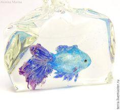 Купить Морозная рыбка голубой ультрамарин кулон подвеска ирис - золотая рыбка рыба