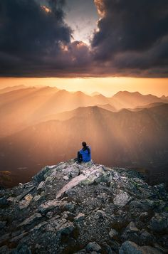 Sunset in the Tatra Mountains, Poland, by Karol Nienartowicz. Tatra Mountains, High Tatras, G Adventures, Aesthetic Pictures, Land Scape, Wilderness, Sunrise, Travel, Outdoor