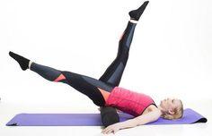 Pilatesrullan avulla tehtävä treeni voimistaa vatsalihaksia ja helpottaa selkäkipuja. Training Day, Physical Education, Kettlebell, Hiit, Excercise, Pilates, Gym Workouts, Feel Good, Healthy Life
