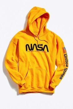 NASA Hoodie Sweatshirt - Unbedingt kaufen - Urban Outfitters NASA Hoodie Sweatshirt Informations About NASA Hoodie Sweatshirt Pin You can easily - Hoodie Sweatshirts, Pullover Hoodie, Sweater Hoodie, Hoody, Cute Hoodie, Trendy Hoodies, Cool Hoodies, Hoodies For Men, Hoodie Outfit