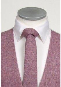 An English tweed tie in a pink fleck, an ideal wedding tie for the vintage Groom #vintagewedding #groom #tweed #tie #weddingtie #wedding #geekchic