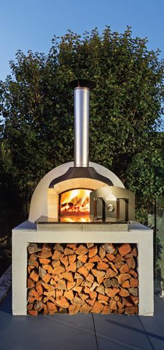New small patio fireplace pizza ovens Ideas Diy Pizza Oven, Pizza Oven Outdoor, Pizza Ovens, Diy Patio, Backyard Patio, Pizza Oven Fireplace, Backyard Covered Patios, Four A Pizza, Outdoor Kitchen Design