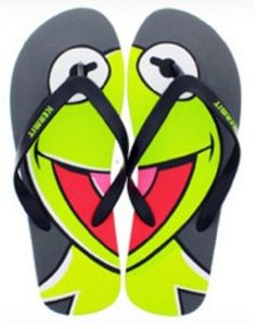 d26a6985e Amazon.com  The Muppets Kermit the Frog Face Unisex Sandal Flip Flops  Shoes