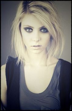 Taylor Momsen is an American actress, musician and model, who portrayed the character of Jenny Humphrey on the CW television series Gossip Girl and Cindy Lou Who in Dr. Seuss. Description from pinterest.com. I searched for this on bing.com/images