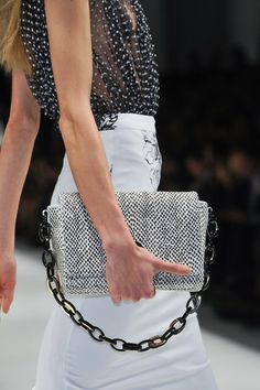 Black and White. Great chain detail. Blumarine Spring 2014 - Details
