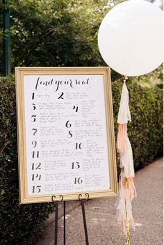 10 unique DIY wedding guest escort cards and seating charts - Wedding Party