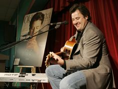 Country singer Vince Gill belts out a ballad during a appearance at the Myriad in downtown Oklahoma City. (Staff Photo by Roger Klock) Country Music Association, Academy Of Country Music, Country Music Awards, Country Music Artists, Country Singers, Da Vince, Vince Gill, Prince Of Egypt
