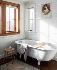 Vintage Bathtub - Farmhouse Bath