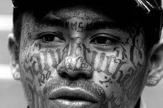 Mara Salvatrucha, ever wanted to see the eyes of killer look at these Dark Art Tattoo, Body Art Tattoos, Tatoos, Mafia, Tribal Face Paints, Chicano Style Tattoo, Face Tats, Mark Of Cain, Criminal Tattoo