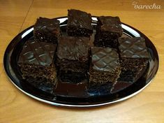 Perník s kokosom ako pierko (fotorecept) - recept | Varecha.sk Desserts, Food, Cakes, Basket, Meal, Deserts, Essen, Hoods, Dessert