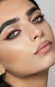 Eyeliner Make-up, Mascara, Simple Eyeliner, Simple Eye Makeup, Neutral Makeup, Eyeshadow Makeup, Makeup Monolid, Natural Eyeliner, Eyeliner Ideas