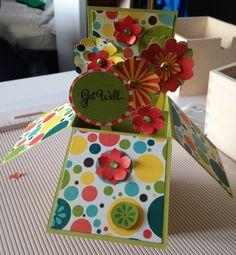Eine KlappkartenBox (auch zum verschicken mit einem Umschlag)