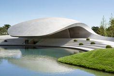 Porsche Pavilion at the Autostadt in Wolfsburg by Henn Architekten | Trade fair…