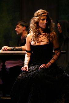 Laila Robins as Lady Macbeth, 2004 Lady Macbeth, Robins, Artists, Robin, European Robin, Artist