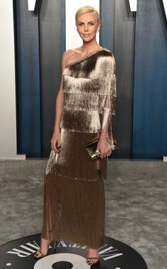 Tiffany OFF! Charlize Theron from After-Party de los Oscars 2020 de Vanity Fair In Dior with Tiffany Co. Lily Aldridge, Oscars, Oscar Fashion, Vanity Fair Oscar Party, Red Carpet Looks, Gold Dress, Red Carpet Fashion, Fashion Beauty, Women's Fashion