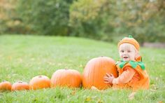 Pumpkin baby photo baby-photo-shoot-ideas