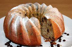 Auszug aus meinem LowCarb-Tortenbuch: der Mandel-Schoko-Guglhupf für den Sonntags-Kaffeetisch. Natürlich LowCarb, glutenfrei und saftig!