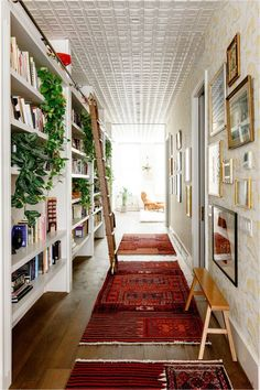 Architectural Digest, New York Loft, Design Living Room, Rugs In Living Room, Condo Living, Apartment Living, Home Design, Design Design, Design Ideas