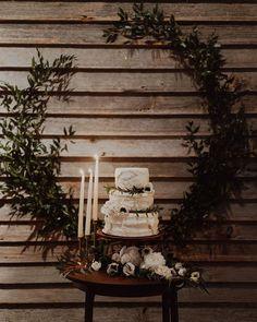 59 vind-ik-leuks, 1 reacties - Arlette van Ravenswaaij (@proudmaryweddings) op Instagram: 'Oh, winter weddings beginnen een beetje mijn hart te veroveren.. 💛⠀ ⠀ // 📷 @logancolephoto /…'