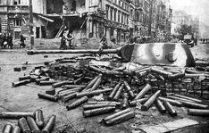 1945, Allemagne, Berlin, un Panther enterré en pleine rue
