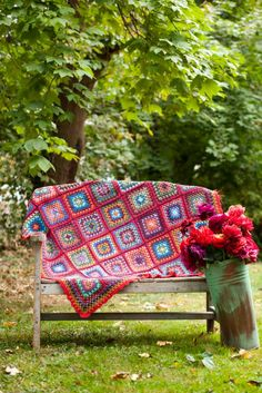 Granny Squares Throw by Kaffe Fassett VOGUE Knitting Crochet 2014, photo by Rose Callahan