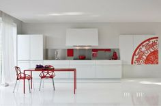 déco contemporaine de cuisine blanche et rouge