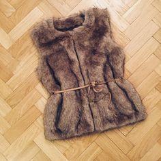 Bought myself a little #fauxfur winter warmer @bartsaccessories