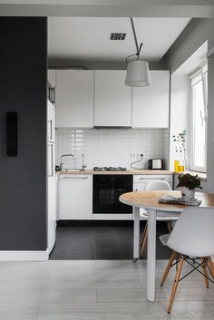 Кухня со столовой в белом цвете. Small Apartment DesignSmall ApartmentsSmall  SpacesTiny Dining RoomsOpen Plan Kitchen Living RoomSmall ...