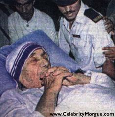 Mother Theresa died September in Calcutta, aged Considered by many to be the world's only living saint, her death was overshadowed by the accident which took Princess Diana of Wales' life. India gave an unprecedented state funeral to Theresa. by khanittha Post Mortem, Memento Mori, Women In History, World History, Saint Teresa Of Calcutta, Celebrity Deaths, People Of Interest, After Life, We Are The World