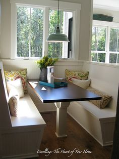 41 Bow Window Simple Elegant Look Barn Kitchen, Kitchen Nook, New Kitchen, Kitchen Decor, Cottage Kitchens, Home Kitchens, Booth Seating In Kitchen, Kitchen Triangle, Banquet Seating