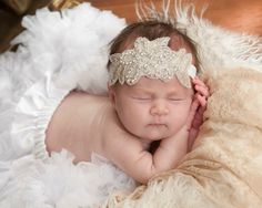 Great Gatsby Baby Girl Headband.  Perfect for 920's wedding party, newborn photoshoot or any special occasion.  Size: 0 - 6 months: 13.5 inches (35cm).  6 - Toddler: 16 inches (40cm).  Adult: 18 inches (46cm)  Ready to Ship: 3-5 Business Days