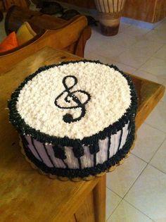 Piano Cake w/ G- clef