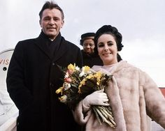 1964: Elizabeth Taylor and Richard Burton marry for first time