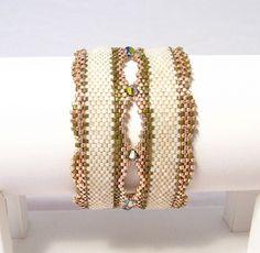 Free tutorial - Peyote Bracelet with Cylinder Beads and swarovski crystals