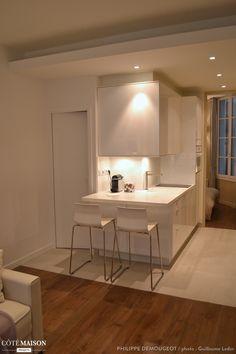 Transformation complète d'un deux pièces sur les bords de Seine en un appartement complet, Paris, France, Philippe Demougeot - architecte
